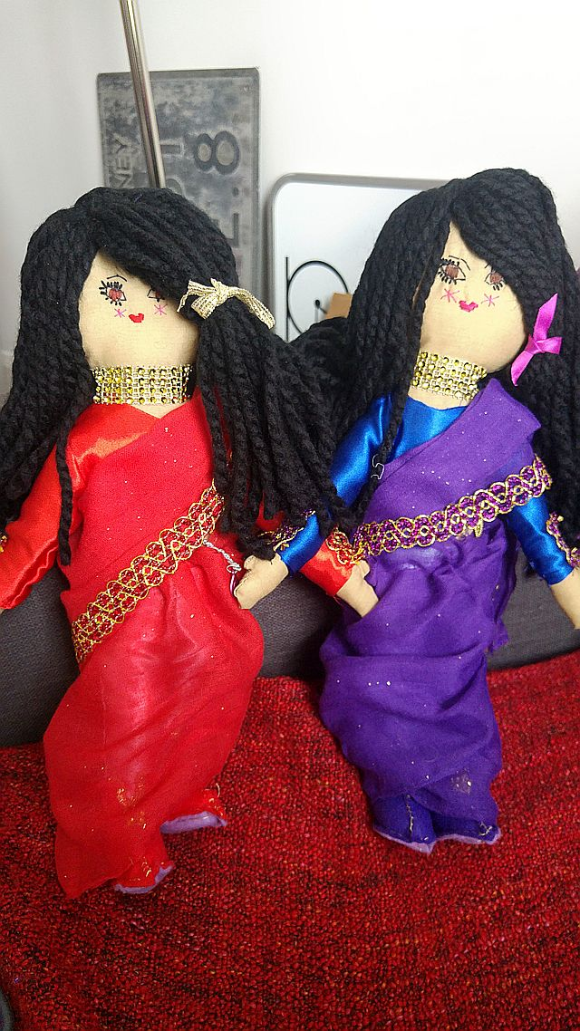 The saree sisters!
